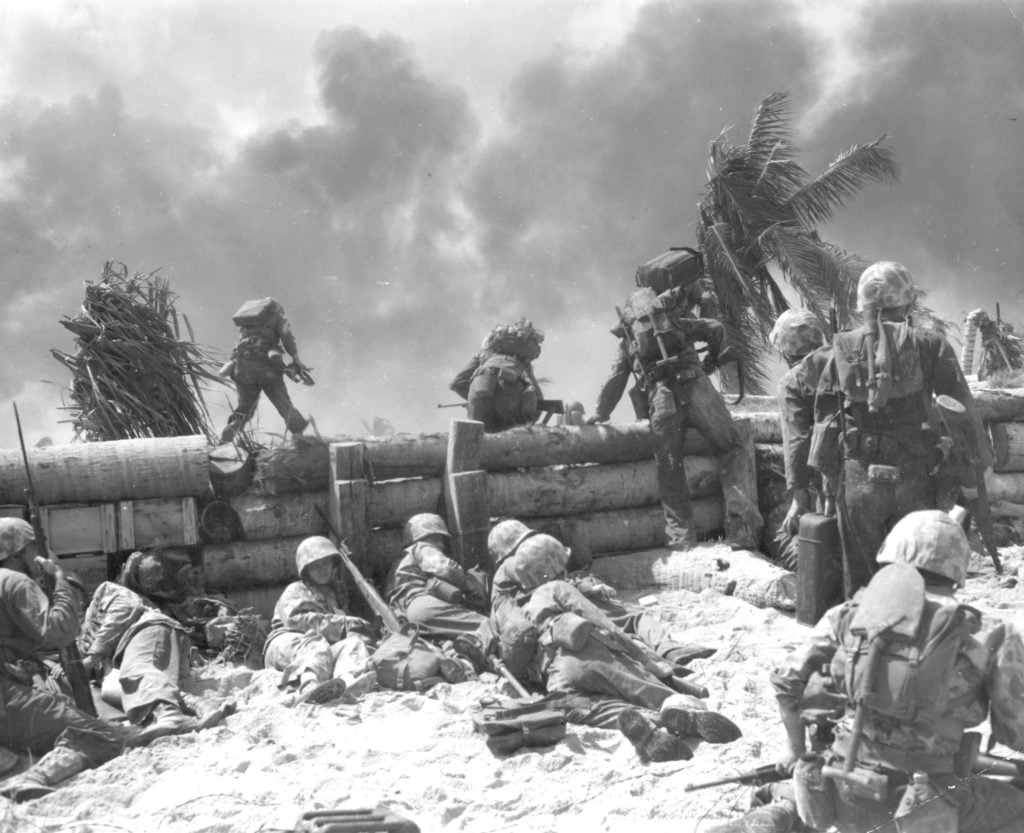 Repos soldats americains bataille de tarawa